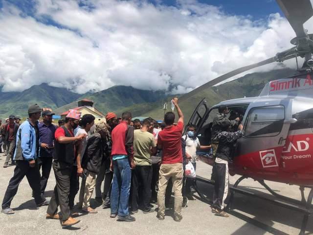 डोल्पामा बिषालु च्याउ खाँदा चार सिकिस्त, हेलिकप्टरबाट उद्दार
