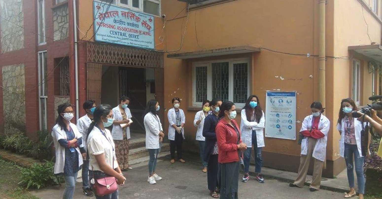 देशभरका नर्सहरू आन्दोलनमा