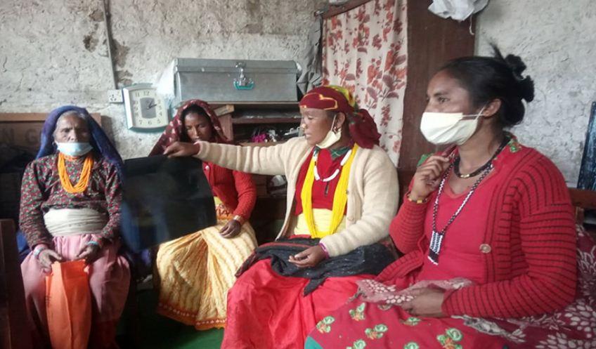 स्थानीय सरकारले गुनासाे नसुकेकाे भन्दै जुम्लाका महिला मन्त्री गुहार्दै पुगे सदरमुकाम