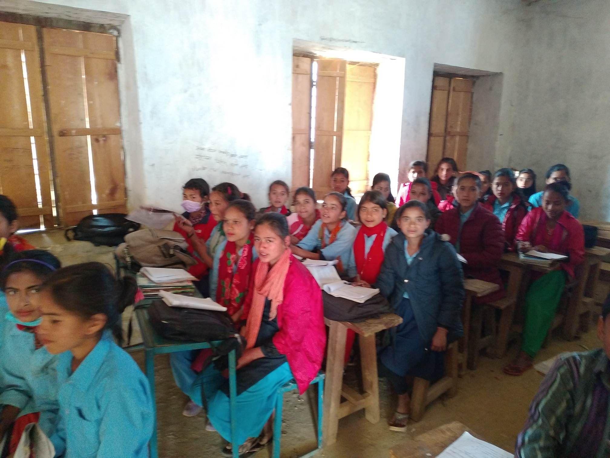 शिवालयमा छड्के अनुगमन : राजनीतिमा रमाउँदै शिक्षक, पढाउन छोडेर पार्टीको प्रचारमा व्यस्त