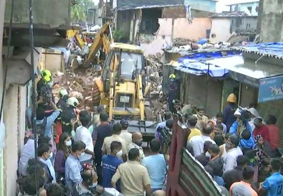 भारतमा वर्षाले चार तल्ले भवन भत्कियो, ११ जनाको मृत्यु